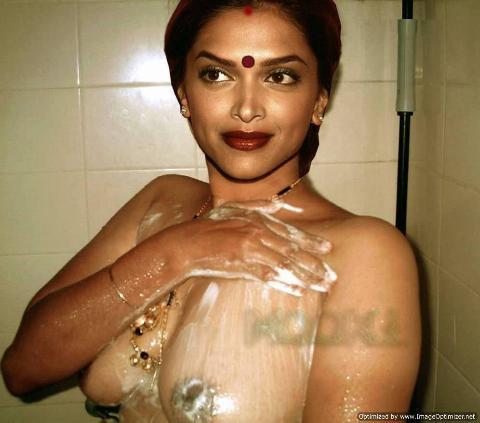 Deepika Padukone Exposed Her Hot Naked Back