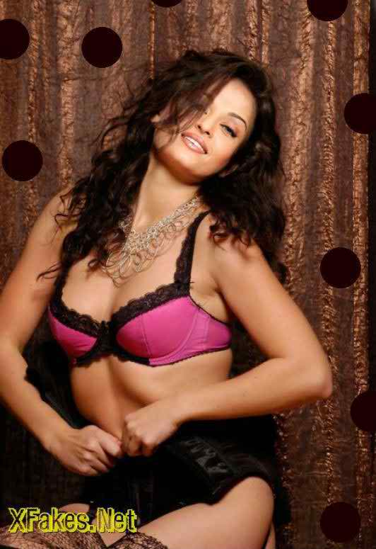 Indian Actress and Model Aishwarya Rai Hot Photos Gallery
