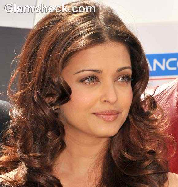 Nude Aishwarya Rai - Bollywood nude actress Wallpaper