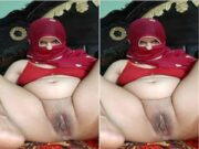 Horny Paki Bhabhi Showing Her Pussy