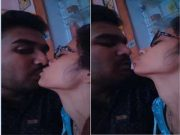 Hot Desi Lover OutDoor Kissing