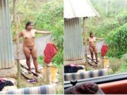 Desi Girl Showing Nude Body TO Lover