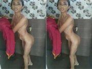 Desi Bhabhi Bathing Part 2