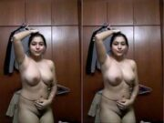 Sexy Tamil Girl Record her Nude Selfie part 2