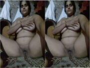 Desi Village Bhabhi Showing Her Boobs and Pussy Part 13