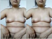 Desi Girl Showing Boobs and Pussy