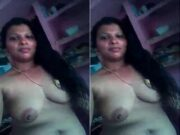 Sexy Mallu Bhabhi Showing Her Boobs and pussy