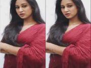 Sexy Desi Girl Showing Boobs Part 1