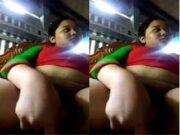 Horny Bhabhi Masturbating
