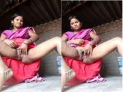 Bhabhi Play With Her Pussy