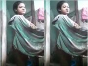Desi Village Girl Showing Her Nude Body and Bathing part 2