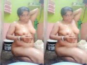 Desi Bhabhi Record Her Bathing Video For Lover