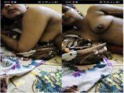 Sexy Desi Bhabhi Blowjob and Bathing Part 2