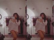 Today Exclusive- Sexy Desi Girl Record Selfie